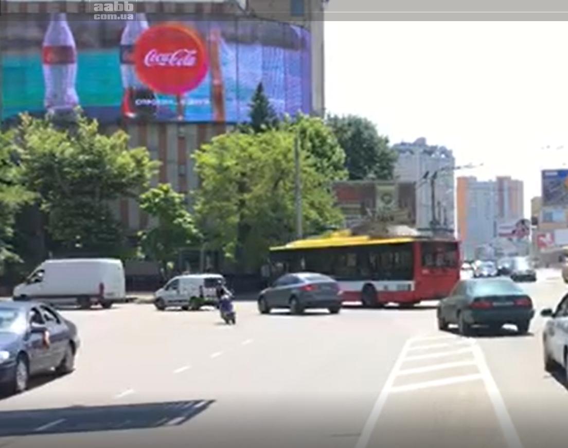 Реклама в місті Одеса – медіафасад на вул.Пирогівська