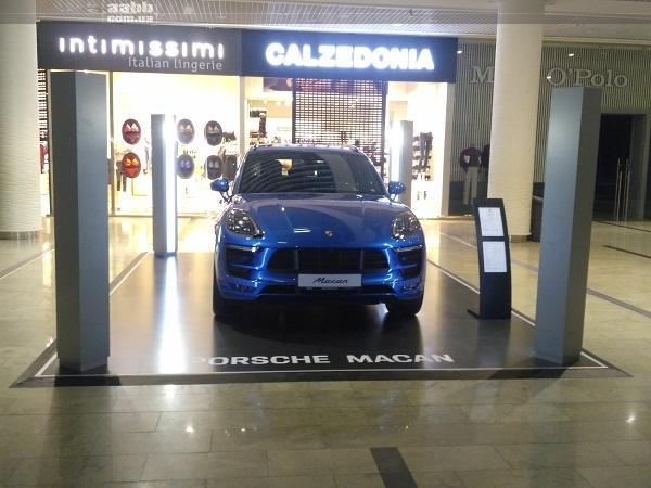 Експонування авто Porsche Macan в ТРЦ Ocean Plaza