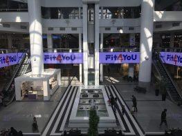 Реклама на відеоекрані ТРЦ Мост-сіті (жовтень 2018)