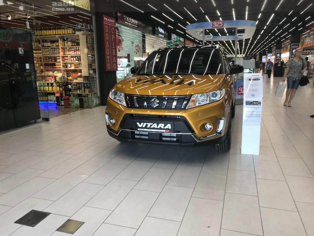 Експонування авто Suzuki Vitara в ТЦ Academ city 2019