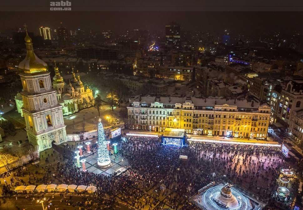 Реклама на відеоекрані на Софійські площі в період новорічних свят