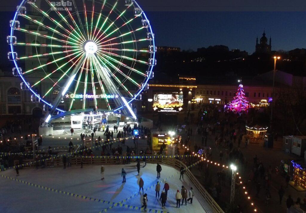 Реклама Marshrutka на Контрактовій площі в період новорічних свят